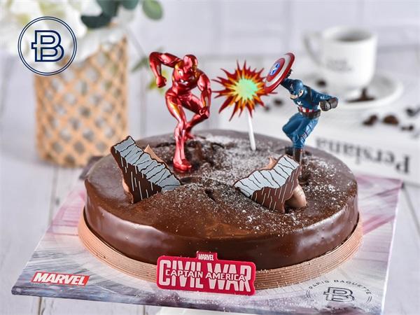 """""""美国队长3""""款蛋糕"""