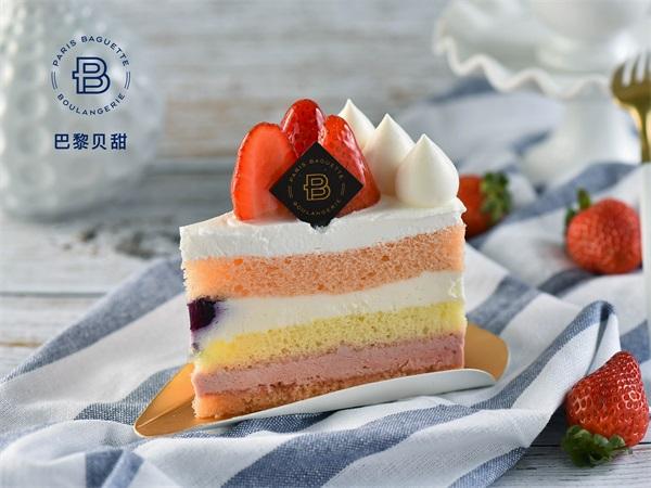 清新莓子蛋糕切片